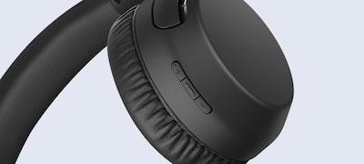 Zabudovaný mikrofón na telefonovanie bez použitia rúk
